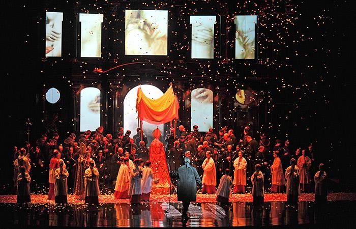 Giacomo Pucciniren Opera Toscaz gozatzeko aukera gaur kultur etxean