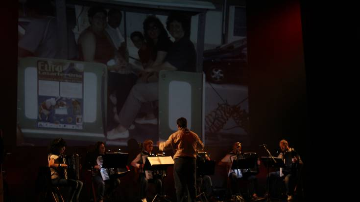 """Zero Sette akordeoi orkestra: """"Itxialdia Zero Setteri bizitzaren arnasa kentzea izan da"""""""
