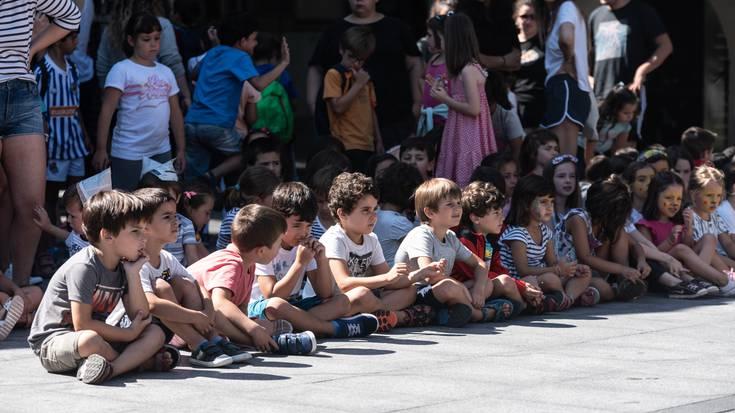 Jaialdia ospatu dute Udako Txokoetako kideek Okendo plazan