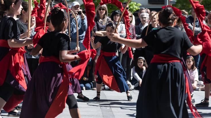 Maiatzaren Lehena, dantzaren eguna