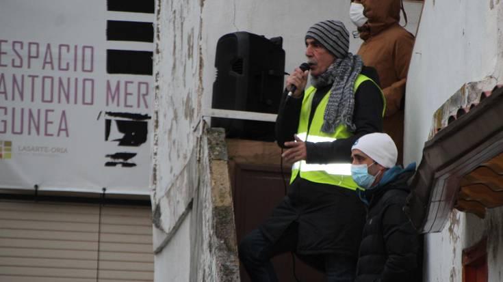 'Bidea gara' manifestazioak herriko kaleak zeharkatu ditu