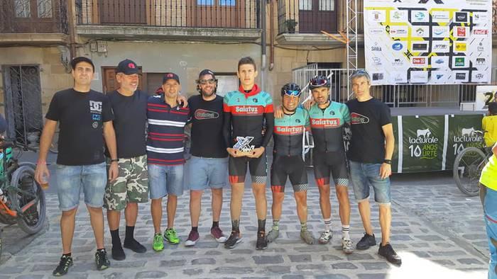 Saiatuz taldeko Etxebeste ValdizarbeXtrem probako podiumean