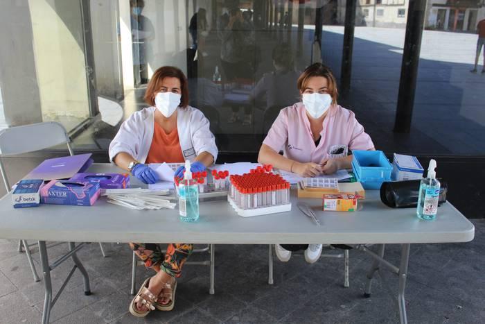 Loidi-Barren frontoian egingo dituzte PCR probak asteartetik aurrera