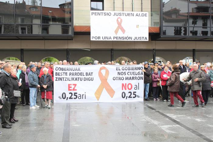 Pentsioen aldeko manifestazioa Lasarte-Orian