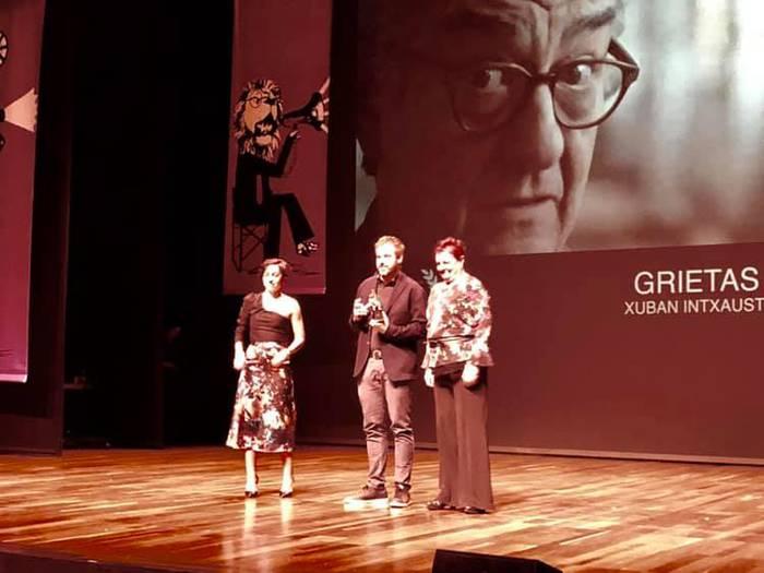 'Grietas' dokumentala, Leonen saritua