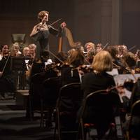 La directora de orquesta filma